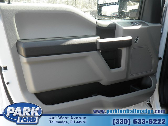2018 F-350 Regular Cab DRW 4x4, Cab Chassis #T450 - photo 11