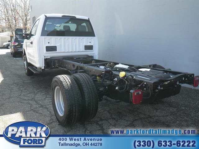 2018 F-350 Regular Cab DRW 4x4, Cab Chassis #T450 - photo 2