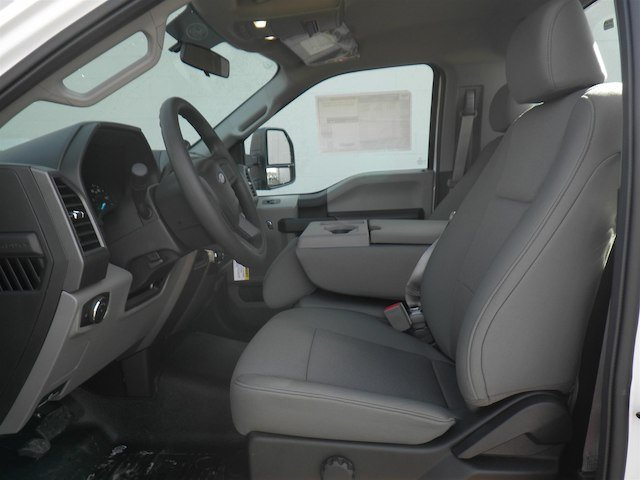 2018 F-550 Regular Cab DRW 4x4,  Cab Chassis #T453 - photo 14