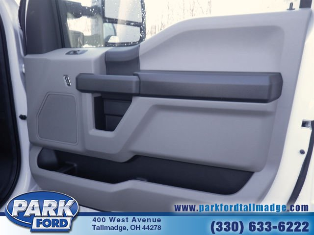 2018 F-550 Regular Cab DRW 4x4, Cab Chassis #T461 - photo 12