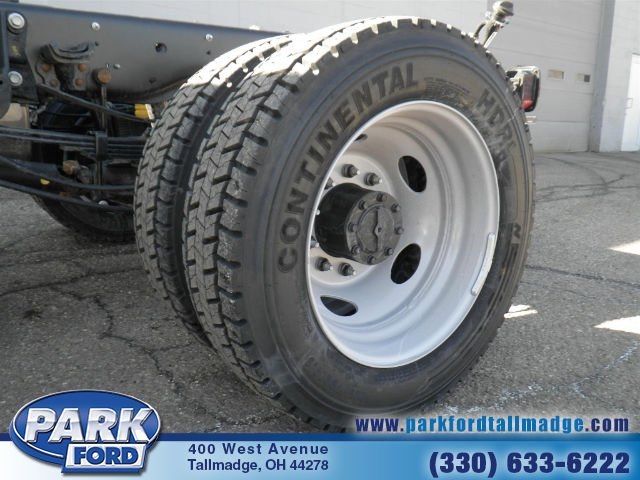 2018 F-550 Regular Cab DRW 4x4, Cab Chassis #T461 - photo 19
