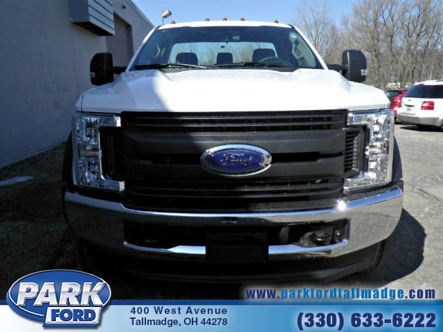 2018 F-550 Regular Cab DRW 4x4, Cab Chassis #T461 - photo 4