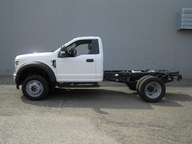 2019 F-550 Regular Cab DRW 4x4,  Cab Chassis #V006 - photo 3