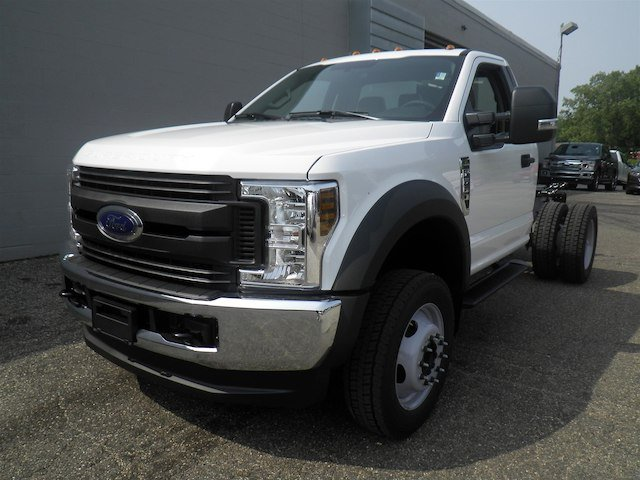 2019 F-550 Regular Cab DRW 4x4,  Cab Chassis #V006 - photo 4