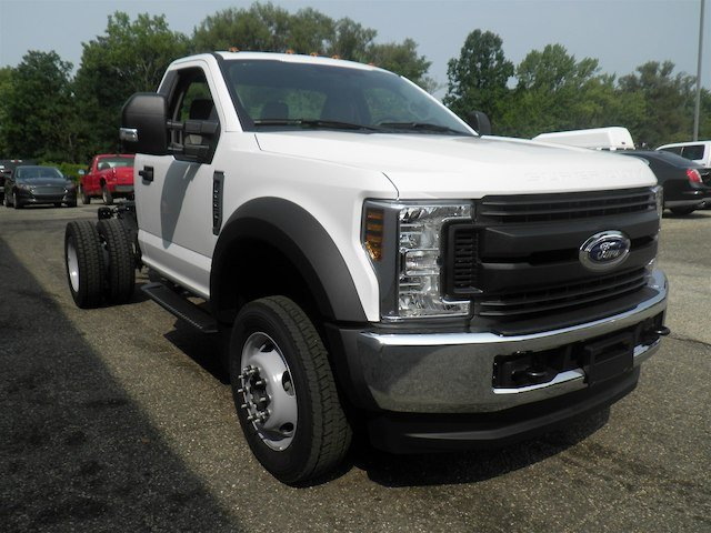 2019 F-550 Regular Cab DRW 4x4,  Cab Chassis #V006 - photo 6