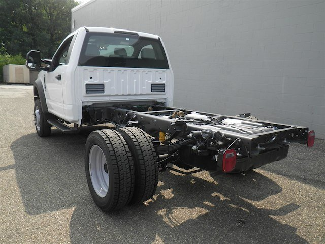 2019 F-550 Regular Cab DRW 4x4,  Cab Chassis #V006 - photo 2