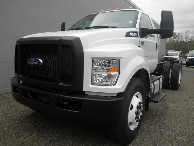 2019 F-750 Regular Cab DRW 4x2,  Cab Chassis #V029 - photo 4