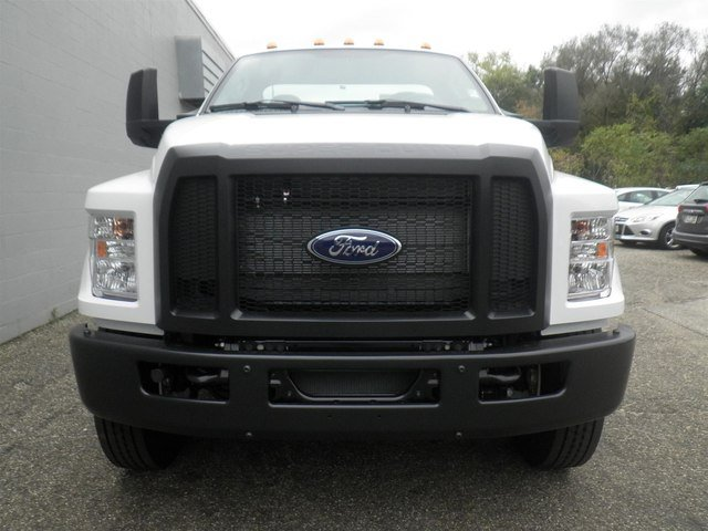 2019 F-750 Regular Cab DRW 4x2,  Cab Chassis #V029 - photo 5