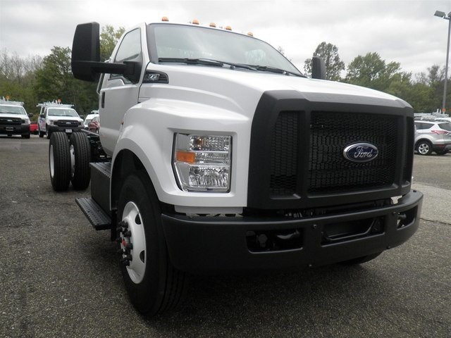 2019 F-750 Regular Cab DRW 4x2,  Cab Chassis #V029 - photo 6