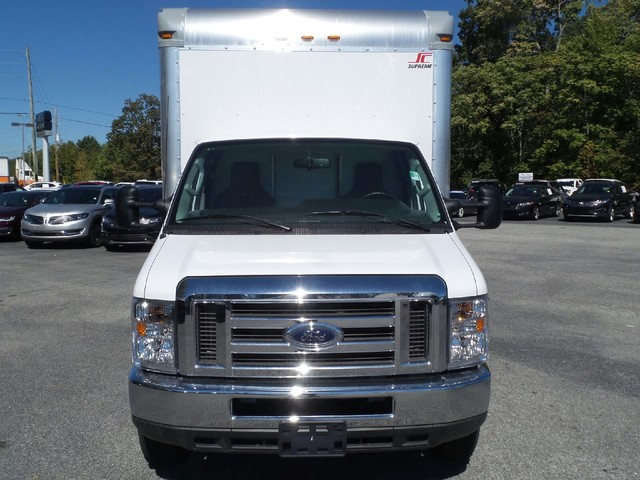 2016 E-450, Supreme Cutaway Van #61916 - photo 10