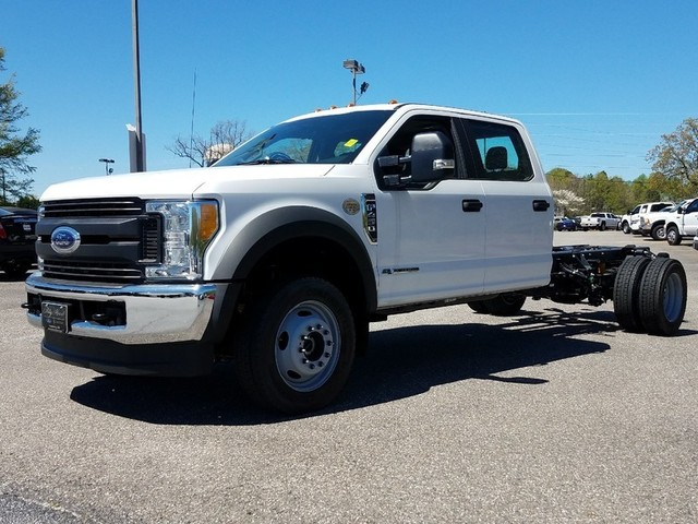 2017 F-450 Crew Cab DRW 4x4, Cab Chassis #71261 - photo 3