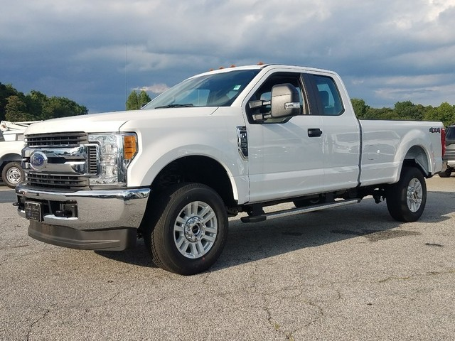 2017 F-250 Super Cab 4x4 Pickup #71521 - photo 3