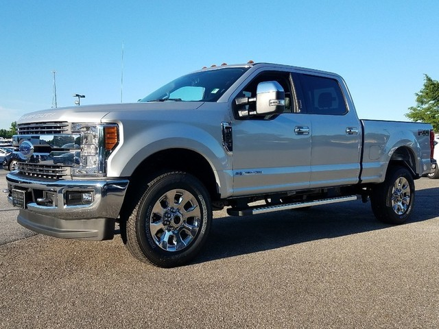 2017 F-250 Crew Cab 4x4, Pickup #71557 - photo 3