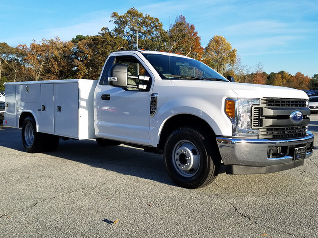 2017 F-350 Regular Cab DRW, Reading Classic II Steel Service Body #72047 - photo 1