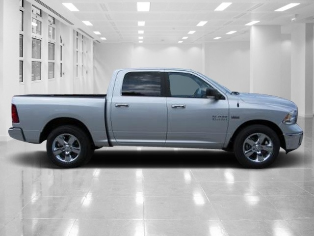 2017 Ram 1500 Crew Cab Pickup #T172060 - photo 2