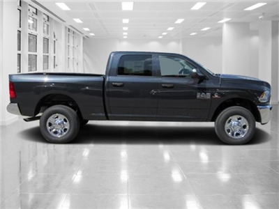 2018 Ram 2500 Crew Cab 4x4 Pickup #T180019 - photo 2