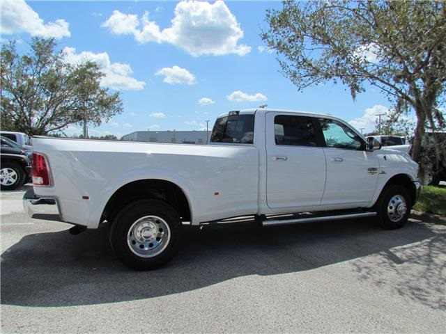 2018 Ram 3500 Crew Cab DRW 4x4 Pickup #T180022 - photo 4