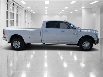 2018 Ram 3500 Crew Cab DRW 4x4 Pickup #T180022 - photo 2