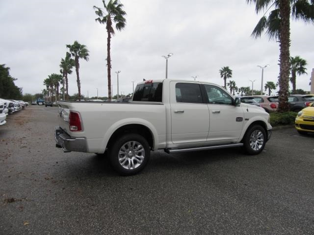 2018 Ram 1500 Crew Cab 4x4 Pickup #T180225 - photo 5