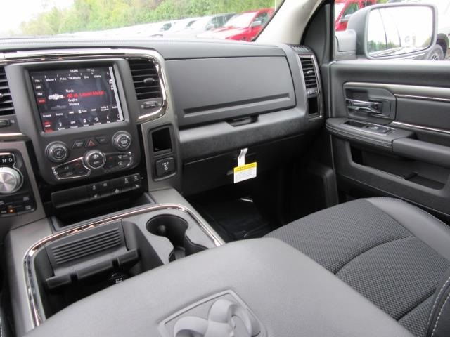 2018 Ram 1500 Crew Cab 4x4 Pickup #T180504 - photo 12