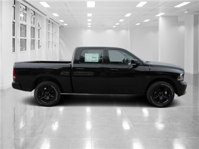 2018 Ram 1500 Crew Cab 4x4 Pickup #T180504 - photo 3
