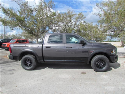 2018 Ram 1500 Crew Cab 4x4 Pickup #T180933 - photo 6