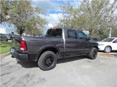 2018 Ram 1500 Crew Cab 4x4 Pickup #T180933 - photo 5