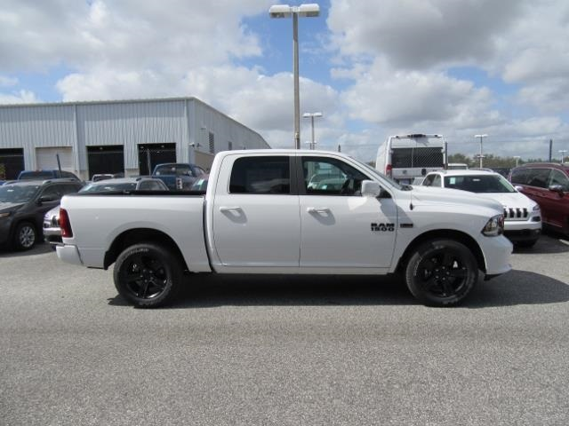 2018 Ram 1500 Crew Cab 4x4, Pickup #T181277 - photo 5