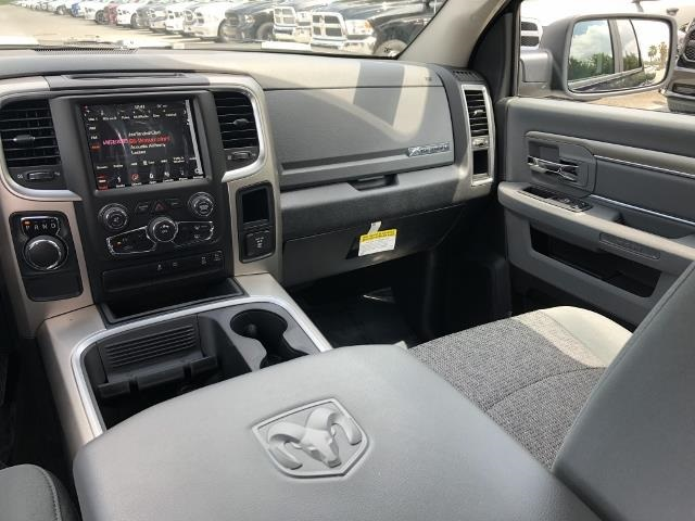 2018 Ram 1500 Crew Cab, Pickup #T181650 - photo 11