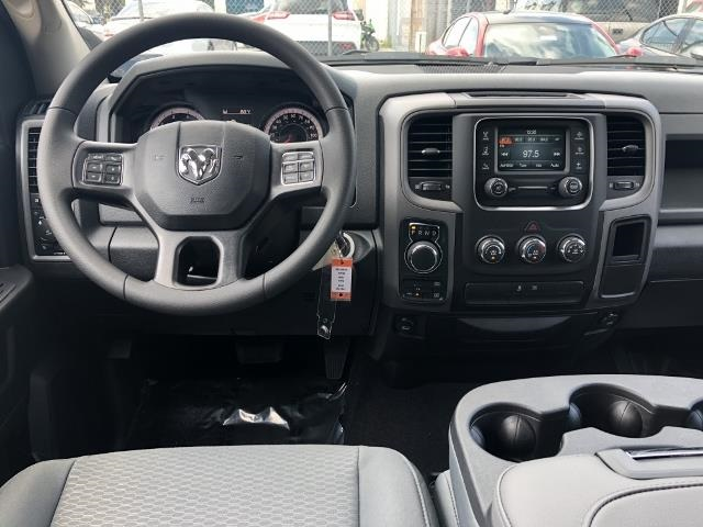 2018 Ram 1500 Crew Cab 4x4, Pickup #T181701 - photo 10