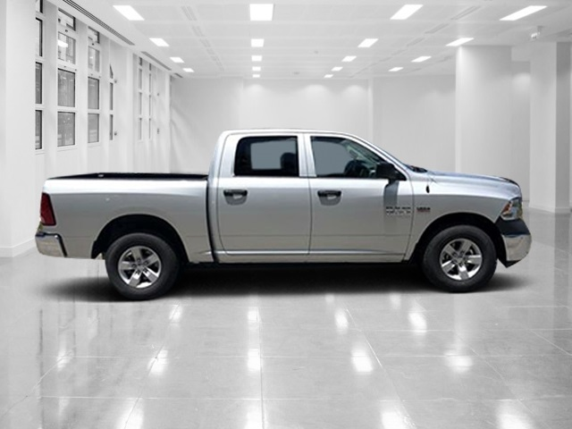 2018 Ram 1500 Crew Cab 4x2,  Pickup #T181848 - photo 3