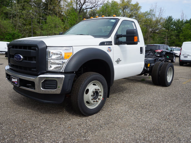 2016 F-450 Regular Cab DRW 4x4, Cab Chassis #161733 - photo 4