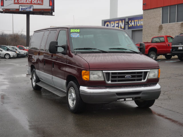 2005 E-150, Passenger Wagon #163413B - photo 4