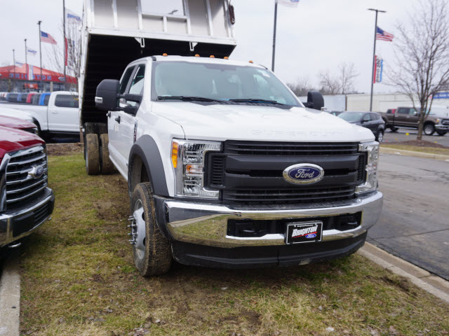 2017 F-450 Crew Cab DRW 4x4, Dump Body #171711 - photo 3