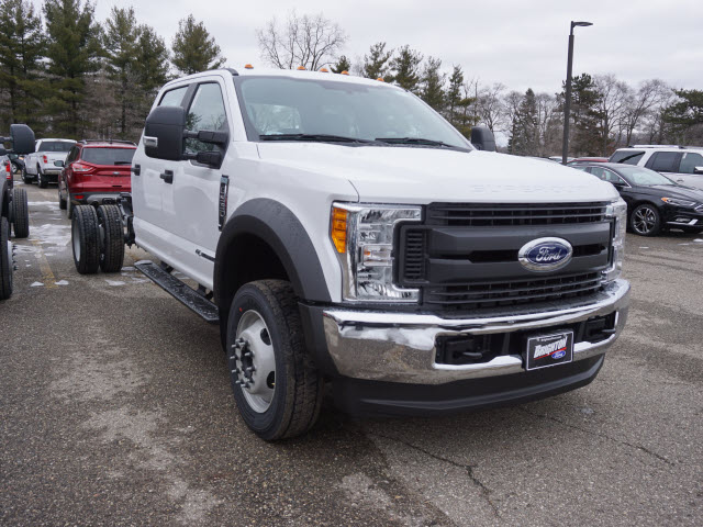 2017 F-550 Crew Cab DRW 4x4 Cab Chassis #171833 - photo 3