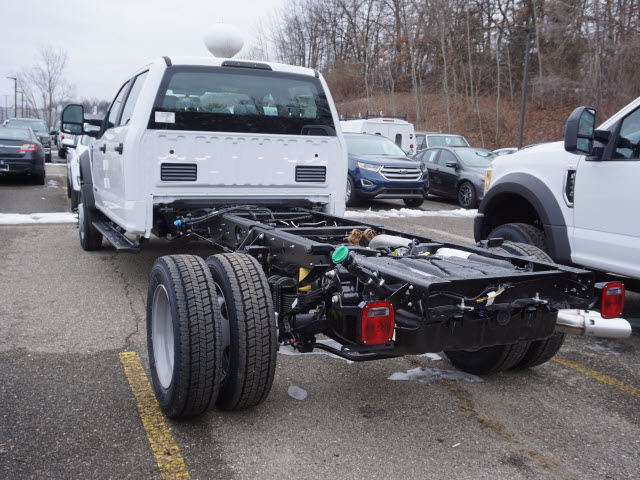 2017 F-550 Crew Cab DRW 4x4 Cab Chassis #171833 - photo 2