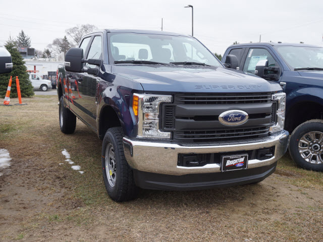 2017 F-350 Crew Cab 4x4 Pickup #172149 - photo 3