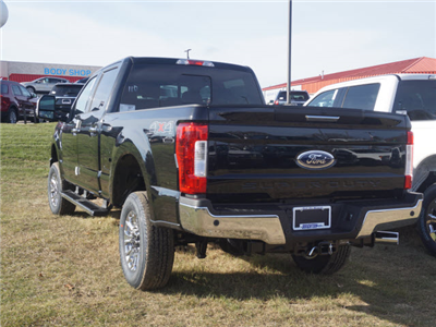 2018 F-250 Crew Cab 4x4, Pickup #180506 - photo 2