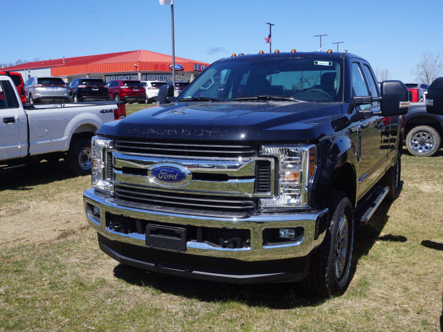 2018 F-250 Super Cab 4x4, Pickup #181088 - photo 1