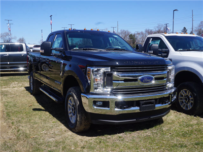 2018 F-250 Super Cab 4x4, Pickup #181088 - photo 3