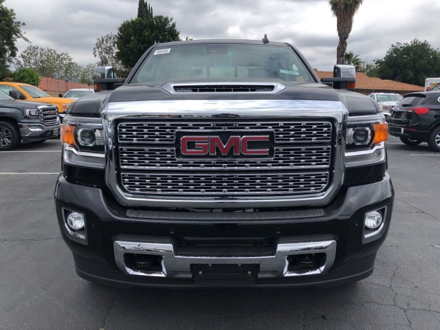 2018 Sierra 2500 Crew Cab 4x4,  Pickup #G180850 - photo 3
