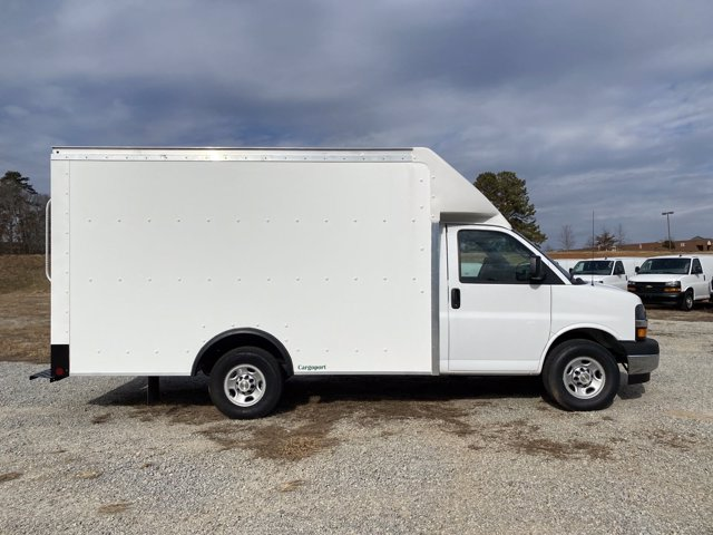 2020 Chevrolet Express 3500 4x2, Rockport Cargoport Cutaway Van #CL11913 - photo 5