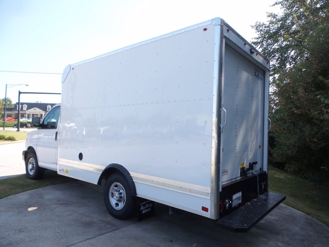 2020 Chevrolet Express 3500 RWD, Bay Bridge Cutaway Van #CL56192 - photo 14