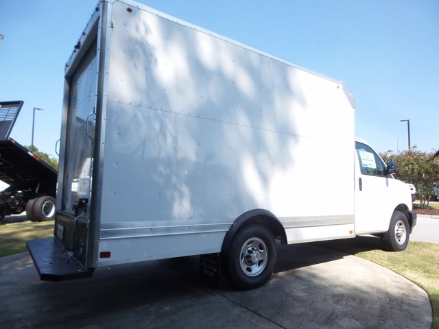2020 Chevrolet Express 3500 RWD, Bay Bridge Cutaway Van #CL56192 - photo 15