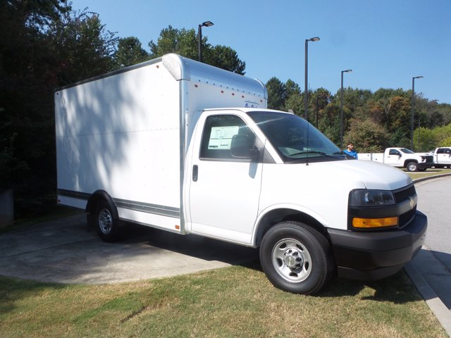 2020 Chevrolet Express 3500 RWD, Bay Bridge Cutaway Van #CL56192 - photo 6