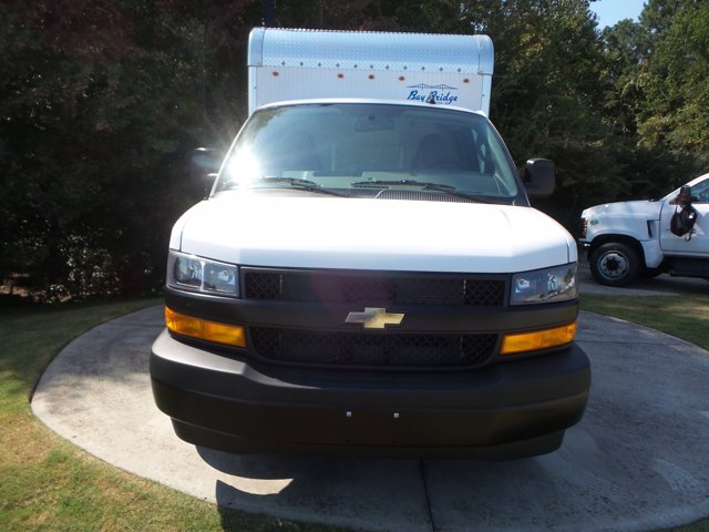 2020 Chevrolet Express 3500 RWD, Bay Bridge Cutaway Van #CL56192 - photo 9
