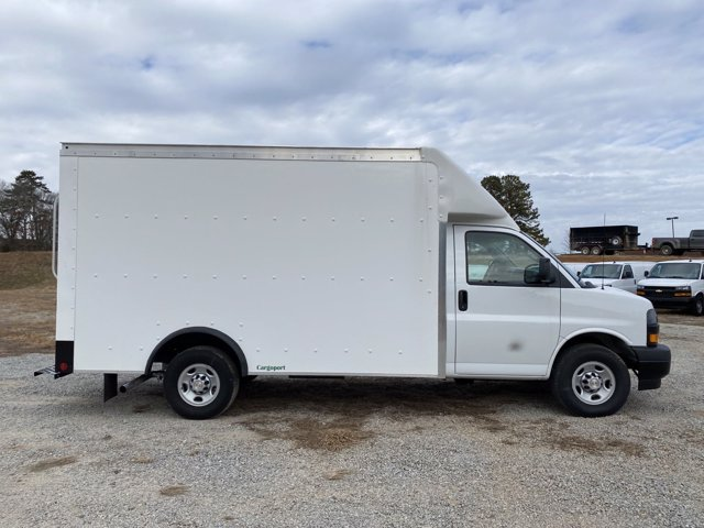 2020 Chevrolet Express 3500 4x2, Rockport Cutaway Van #CL62611 - photo 1