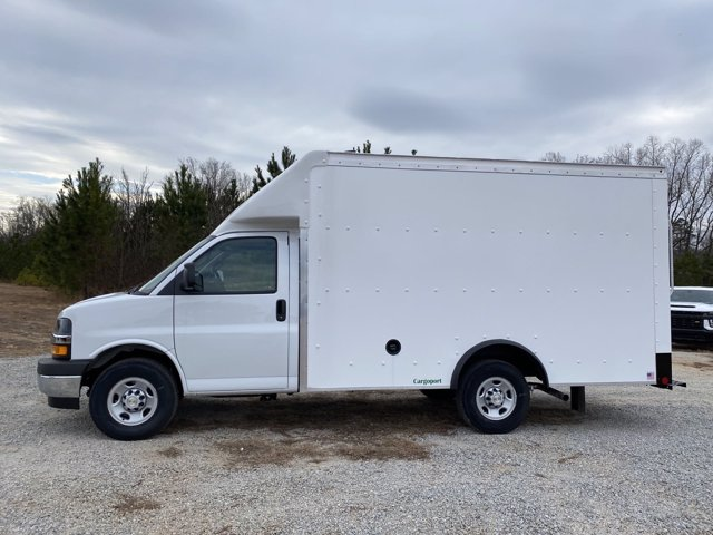 2020 Chevrolet Express 3500 4x2, Rockport Cargoport Cutaway Van #CL65207 - photo 5
