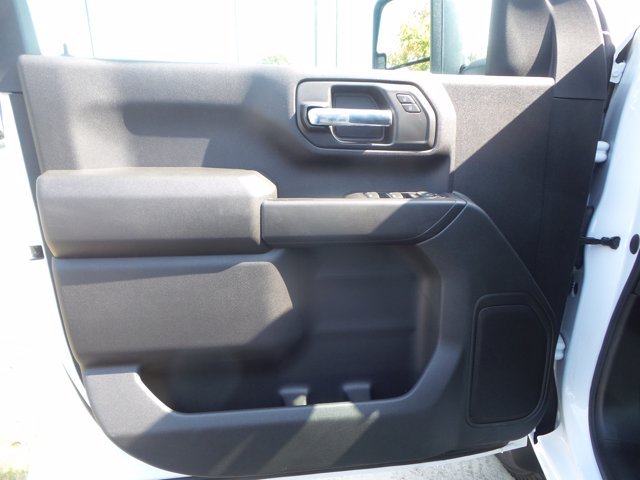 2020 Chevrolet Silverado 3500 Crew Cab DRW 4x4, Reading SL Service Body #CL93973 - photo 19