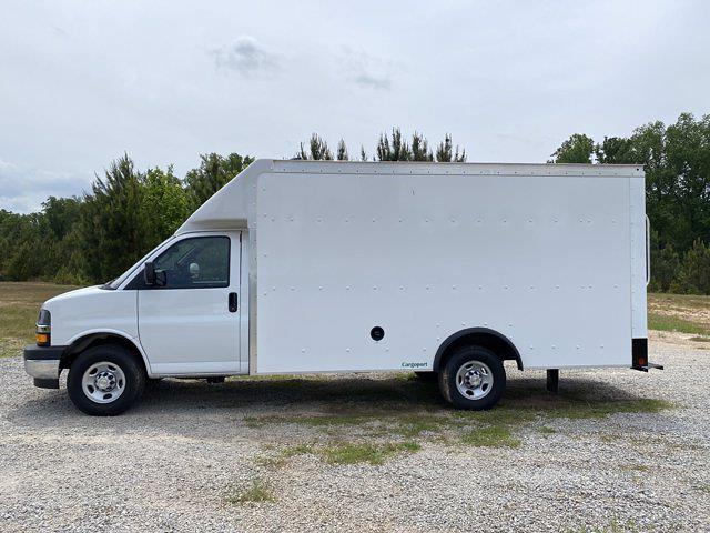 2021 Chevrolet Express 3500 4x2, Rockport Cargoport Cutaway Van #CM58541 - photo 5